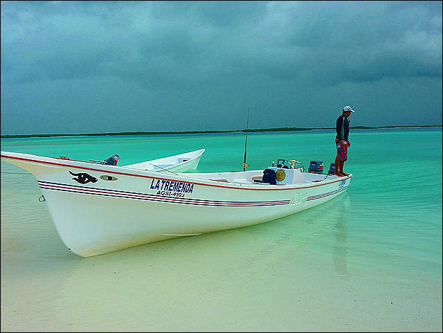Los-Roques-fishing-boat