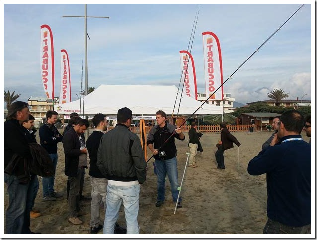 MONDO-PESCA-Report---Dimostrazioni-atttrezzature-canne-surf-Trabucco