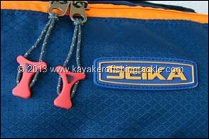 Zaino-Seika-Gorilla-part-logo-e-cerniere