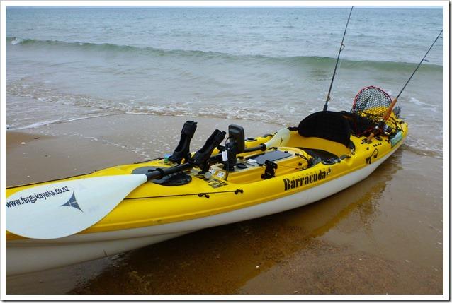 Barracuda-Kayaks-su-spiaggia 9458a216e359