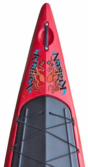 Kraken-logo-sulla-prua