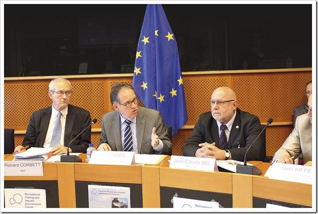 JClaude Bel e rappresentanti associazioni pesca sportiva a Bruxell