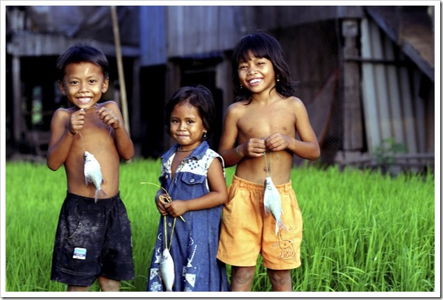 bambini cambogiani _112624 foto Zeb Hogan  WWF