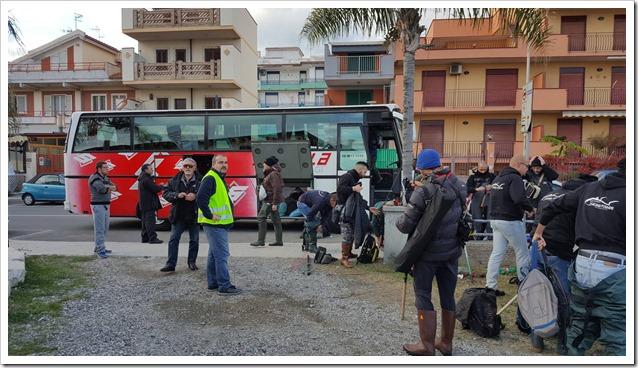 Raduno-Sumizoku-Tour-Sicilia-arrivo-bus-Sicilia-Fishing