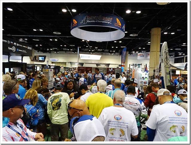 ICAST Orlando 2017 Folla da American Tackle Company