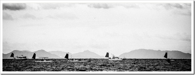 Kasaoka style Tenya barche in overing con vela