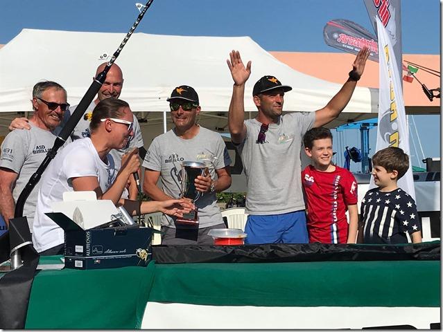 Maratuna 2018 Team Canocia premiato da Eleonora Girardi