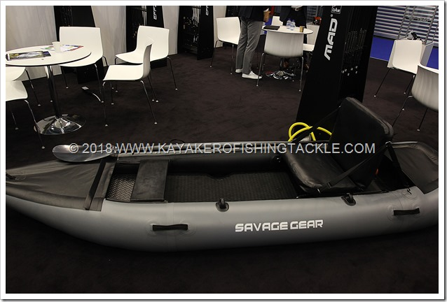EFTTEX-2018-Savage-Gear-float-kayak