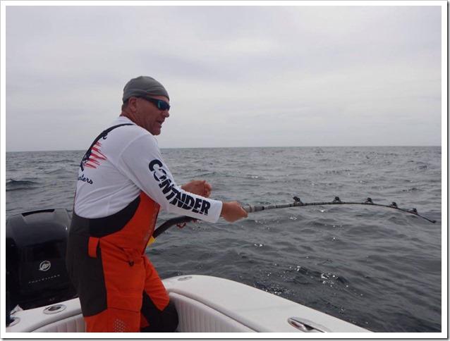 Capt Capitano Nick Czerok con canna Artico e tonno da 199 lbs