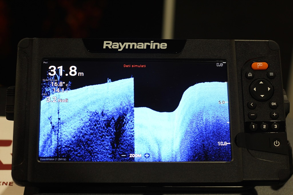 Raymarine Element™ a Boating Show