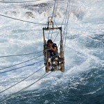Timang-Java-Islands-le-alte-onde-pochi-metri-sotto.jpg